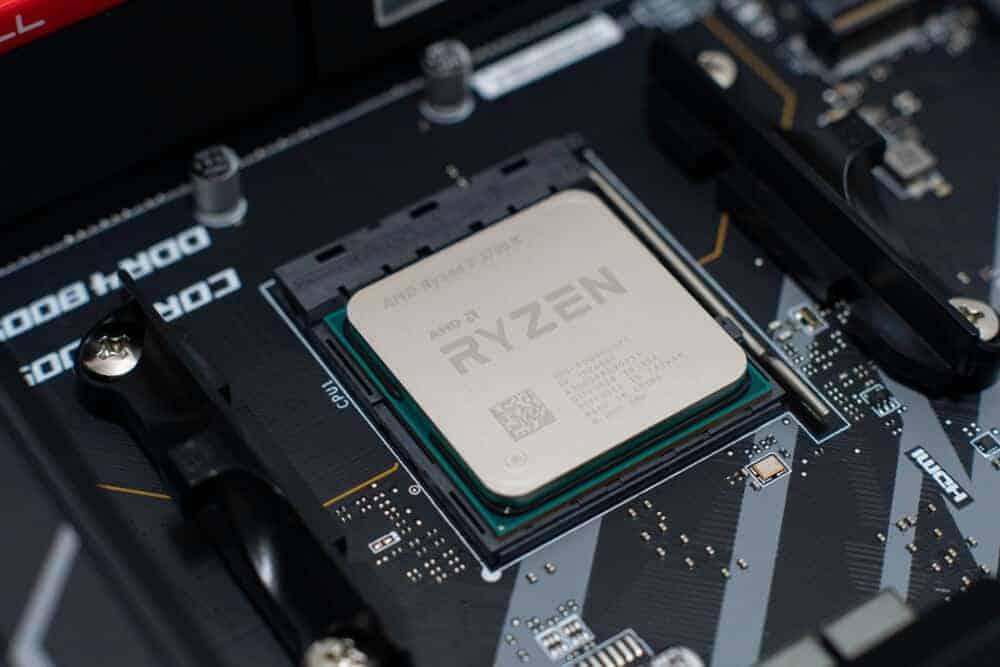 Ryzen 7 3700X vs i7 9700K
