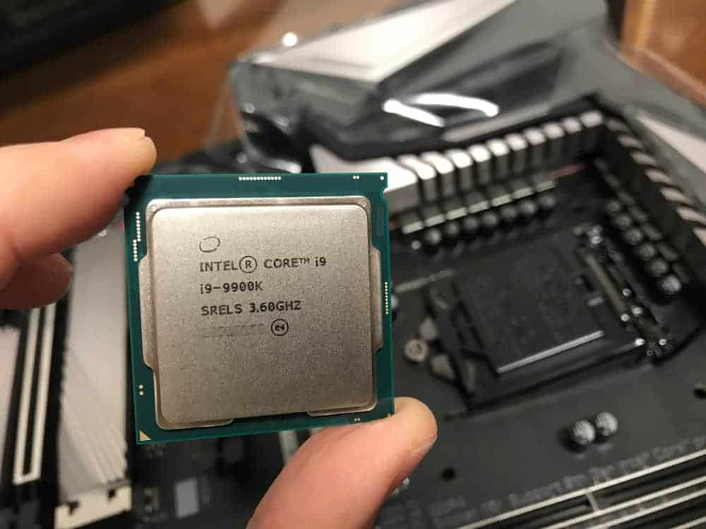 i9 9900K vs i7 9700K