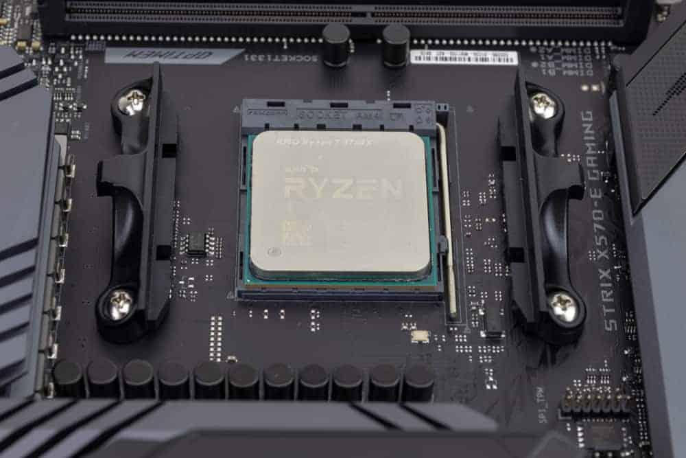 Ryzen 7 2700X vs Ryzen 7 3700X