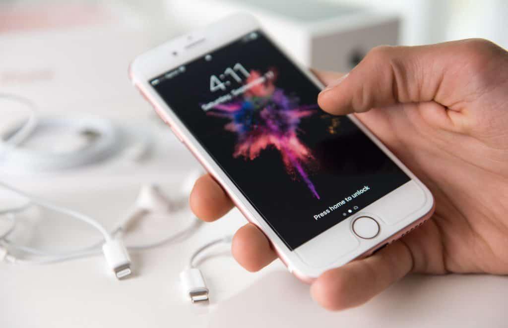 iPhone 6s vs iPhone 7: Full Specs Comparison