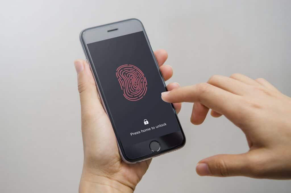 Moto G7 Supra Security Features & Sensors Review
